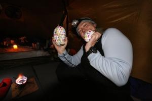 Påskeeggjakt i teltet påskeaften